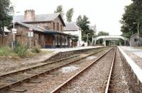 Looking north through Ardgay station on 14 September 2001.<br><br>[John Furnevel&nbsp;14/09/2001]