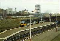 Class 47 hauled passenger train at Dundee station.<br><br>[Ewan Crawford&nbsp;//]