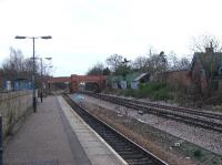 Looking south at Syston station<br><br>[Brad Payne&nbsp;9/2/2005]