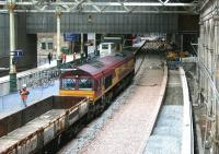 EWS 66183 with another PW train at Waverley platform 1 on 25 June 2006.<br><br>[John Furnevel&nbsp;25/06/2006]