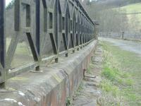 Neidpath Viaduct complete with cable runners.<br><br>[Colin Harkins&nbsp;17/04/2006]