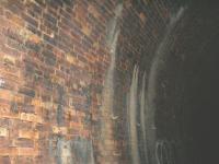 The brickwork in this tunnel has certainly remained remarkable for the age of this tunnel, Cable supports remain also.<br><br>[Colin Harkins 09/07/2006]