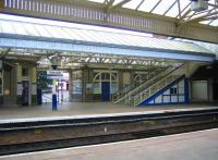 Footbridge and side entrance to platform 1 at Arbroath Station. Summer 2006. <br><br>[John Furnevel&nbsp;09/08/2006]