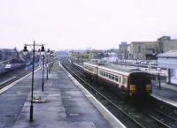 From 1988 every second Glasgow-Dunblane turned short in Platform 6  Stirling. These trains will be used to service the Alloa Branch. The platform filling on P9/10 covers the space which was occupied by the NBR office.<br><br>[Brian Forbes&nbsp;/09/2003]