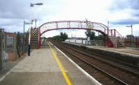 Platform view looking north at Monifieth in September 2006.<br><br>[John Furnevel&nbsp;/09/2006]