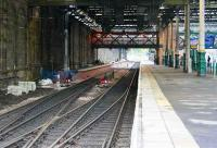 New southside through platform 29 October looking west from the central crossover.<br><br>[John Furnevel&nbsp;29/10/2006]