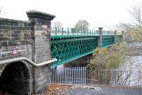 Now did we pick green for this bridge for a reason? View looks north.<br><br>[Ewan Crawford&nbsp;12/11/2006]