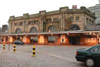 Aberdeen station, main entrance, early on Sunday morning 5 November 2006. [See image 31067]<br><br>[John Furnevel&nbsp;05/11/2006]