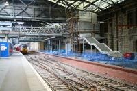 The new <I>Balmoral</I> through platform on the north side of Waverley station, with work still underway on lifts and stairs on 19 November 2006.<br><br>[John Furnevel&nbsp;19/11/2006]