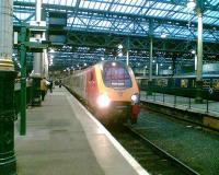 Voyager for Bristol Temple Meads awaits departure from Platform 7.<br><br>[Paul D Kerr&nbsp;/12/2005]
