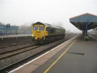 66560 passes through southbound light engine. <br><br>[Michael Gibb&nbsp;21/12/2006]