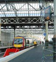 The new platform 3 at the east end of Waverley.<br><br>[Ewan Crawford&nbsp;26/12/2006]