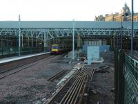 East end of Waverley showing the new platform 3. Plenty of space round here for a few new platforms for say a new Waverley Route or even Penicuik.<br><br>[Ewan Crawford&nbsp;26/12/2006]