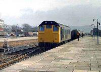 Class 25 with an oil train at Aberystwyth.<br><br>[Ian Dinmore&nbsp;//]