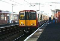 A terminating service from Glasgow Central arrives at Newton on 5 January 2007. <br><br>[John Furnevel&nbsp;05/01/2007]