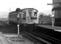 A class 501 DC EMU arrives at Watford Jct from Euston on 20 March 1976. <br><br>[John McIntyre&nbsp;20/03/1976]