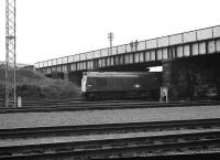 Class 25 7590 at the head of an Edinburgh - Glasgow PP service passing Eastfield shed in 1972. <br><br>[John McIntyre&nbsp;16/9/1972]