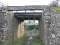 Partly used overbridge east of Bridge of Earn. Main line to far (south) side. This was underpass for first Bridge of Earn station 1847-1890.<br><br>[Brian Forbes&nbsp;/02/2007]