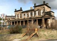The Edinburgh and Northern 1847 terminus at Burntisland which linked with the train ferry to Granton. All doors and windows are now boarded up, March 2007.  <br><br>[John Furnevel&nbsp;15/03/2007]