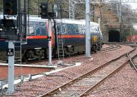 London bound service leaves the extended platform 2 and heads for the Calton tunnels on 17 March.<br><br>[John Furnevel&nbsp;17/03/2007]