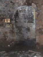 Refuge with the number 9 beside it inside Bridgeton Central tunnel..<br><br>[Colin Harkins&nbsp;29/03/2007]