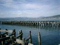 Remains of Craigendoran Pier.<br><br>[Alistair MacKenzie&nbsp;30/04/2007]