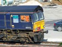 Driver of 66410 finds a use for his jacket as a sun screen. WH Malcolm, Elderslie<br><br>[Graham Morgan&nbsp;04/05/2007]