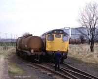 <I>Left hand down a bit..</I> Shunting at Menstrie in April 1987. <br><br>[Mark Dufton&nbsp;/04/1987]