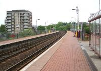 Summerston station looking west along the platforms on 13 May.<br><br>[John Furnevel&nbsp;/05/2007]