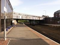 Despite losing much of the glory it had in steam days with the bay platforms and the through lines long gone, Larbert still retains a somewhat impressive air about it. View looks south .<br><br>[Paul D Kerr&nbsp;27/06/2007]