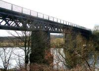 The GCR Westburn Viaduct looking south across the Clyde from Carmyle in April 2007.<br><br>[John Furnevel&nbsp;08/04/2007]