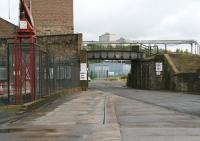 Looking north on 22 July 2007 at the surviving former railway bridge in Kirkcaldy harbour.<br><br>[John Furnevel&nbsp;22/07/2007]