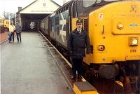 37419 and driver at Wick.<br><br>[Ewan Crawford&nbsp;//1989]