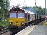 66066 passing through Johnstone en route for Longannet with a full load of coal.<br><br>[Graham Morgan&nbsp;30/08/2007]