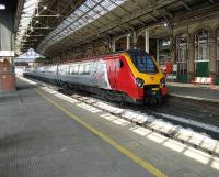 The 1545 Voyager to Motherwell stands at Preston on 8 April. <br><br>[John McIntyre&nbsp;08/04/2007]