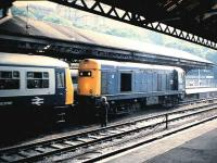 20208 couples up to a failed DMU at Waverley in August 1986. The class 20 hauled the train to Cardenden. <br><br>[David Panton&nbsp;/08/1986]