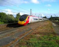 Northbound Pendolino speeds through Leyland on 25 August.<br><br>[John McIntyre&nbsp;25/8/2007]