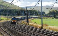 Northbound Tesco containers at Abington.<br><br>[Ewan Crawford&nbsp;25/09/2007]