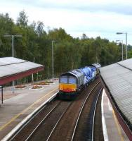 Class 66 top + tailed sandite train passing north through Gleneagles in September 2007.<br><br>[Brian Forbes&nbsp;/09/2007]