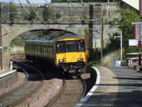 318257 pulling into Johnstone with an Ayr service<br><br>[Graham Morgan&nbsp;03/09/2007]