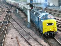 Deltic 55022 heading the 2007 Autumn Highlander negotiates the points as it reaches Perth platform 4.<br><br>[Brian Forbes&nbsp;06/10/2007]