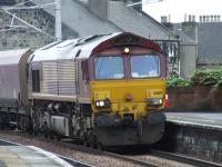 66119 about to pass through Paisley Gilmour Street as it heads for Hunterston <br><br>[Graham Morgan&nbsp;11/09/2007]