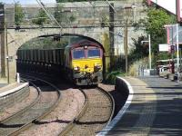 66120 about to pass through Johnstone with an empty coal train bound for Hunterston.<br><br>[Graham Morgan&nbsp;03/09/2007]