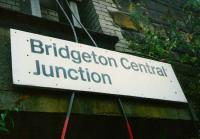 Sign at High Street in July 1997 indicating the location of the former Bridgeton Central Junction, severed some years previously.<br><br>[David Panton&nbsp;/07/1997]