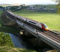 A Euston - Glasgow Central Pendolino catches the afternoon sun on Crawford Viaduct on 19 October 2007.<br><br>[John Furnevel&nbsp;19/10/2007]