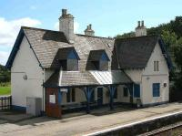The boarded up station building at Helmsdale on 27 August 2007.<br><br>[John Furnevel&nbsp;27/08/2007]