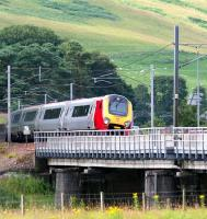 Voyager crossing the Clyde at Lamington on 31 July 2007.<br>  <br><br>[John Furnevel&nbsp;/07/2007]