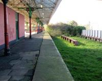 The abandoned side of the island (former eastbound) platform at Nelson, Lancashire on 8 November.<br><br>[John McIntyre&nbsp;08/11/2007]