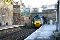A northbound HST emerges from Haymarket tunnel and runs into platform 2 on 20 December. <br><br>[John Furnevel&nbsp;20/12/2007]