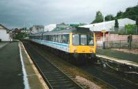 117 308 forms an evening outer circle train at Inverkeithing in July 1998. <br><br>[David Panton&nbsp;/07/1998]